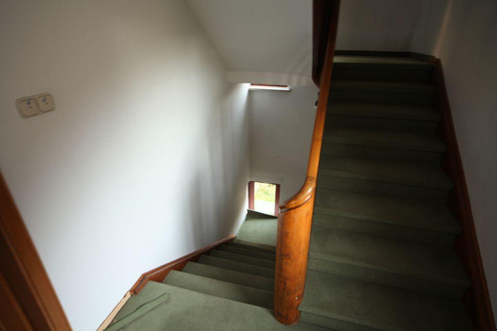 treppenhaus-kfw-sanierung- vorher-2