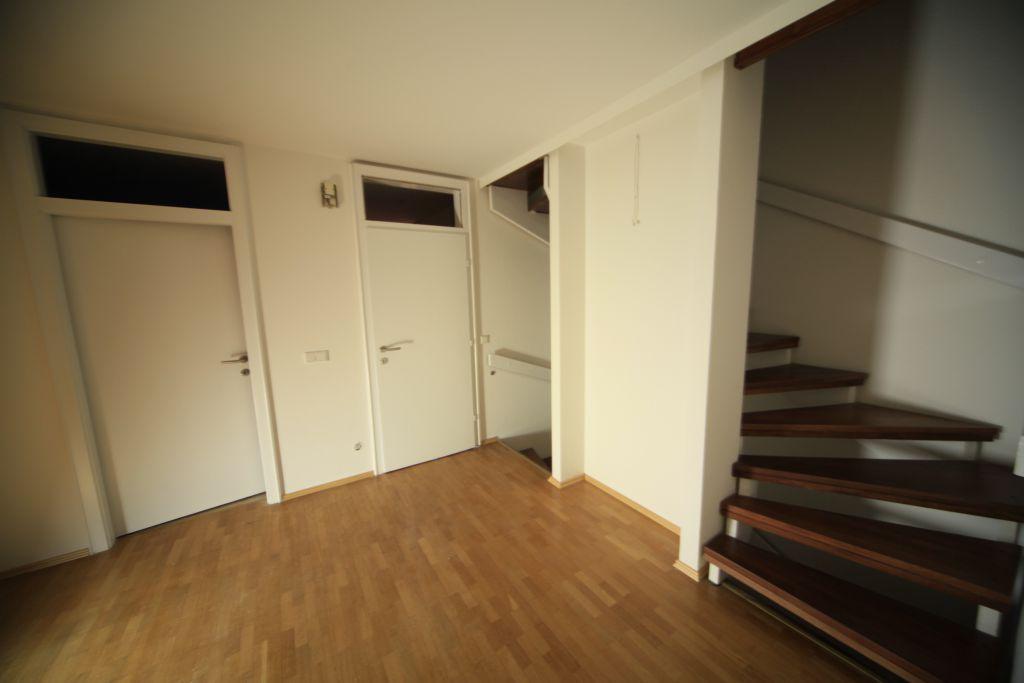 haus 6 wohnbereich bild 4 sanieren in m nchen bossmann. Black Bedroom Furniture Sets. Home Design Ideas