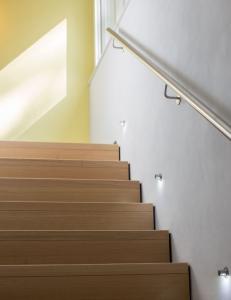treppen m nchen holztreppen und au entreppen sanieren m nchen. Black Bedroom Furniture Sets. Home Design Ideas